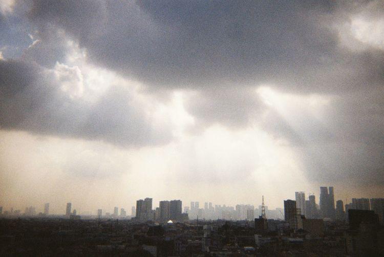 City Cityscape Urban Skyline Storm Cloud Skyscraper Modern Thunderstorm Fog Dramatic Sky Sky