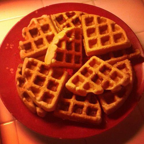 Mommy's first batch of Kerbey Lane waffles on her new waffle machine!!! 😍😋 KerbeyLaneCafe AustinFavorite MyFavoriteAuntieHomieAlwaysBringsMeTWOBags😚 AllNaturalButtermilkMix MyFavoriteIsLemonPoppyseed YesYouCanBuyOnline GoogleThem TheyWillChangeYourLife NoImNotGettingPaid ButIShould😁