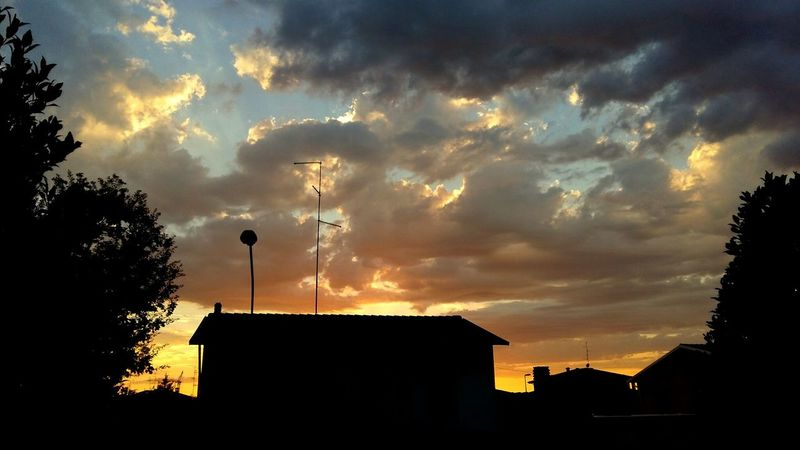 Clouds Sky Sunset Photo Amazing Landscape Beautiful Photography Zhoxha Italy Nature Photooftheday Smartphonephotography Modena Modena_dintorni