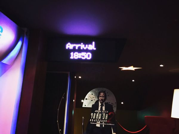 Arrival Keanureeves Human Representation Low Angle View Indoors  Real People One Person Illuminated Night People