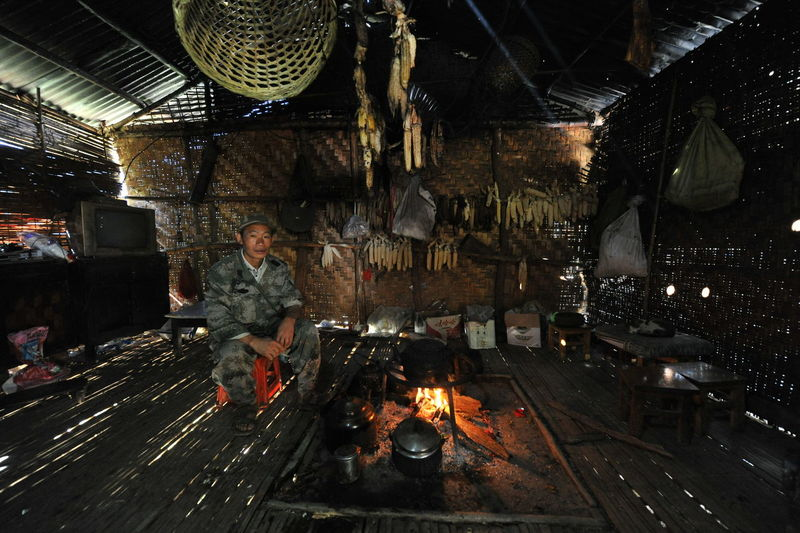 Duolong people rooms and owners Illuminated Flame Hanging Heat - Temperature