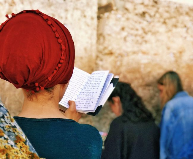 Street photography—series from Israel—Wailing/Western Wall in Jerusalem Jerusalem Israel EyeEm Street Photography Awards 2018 Street Photography Group Of People Reading Hat Book Clothing Adult Women