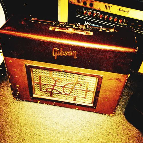 Really Vintage Gibson Amp Gibson Amplifier Gibsonamp Amplification