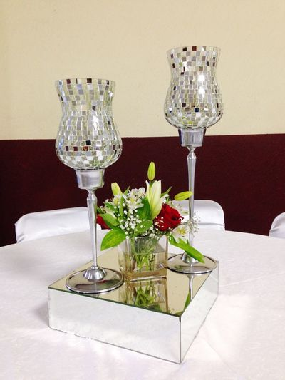CentroDeMesa Wedding Rosaroja Copas Astromelias Cristal Espejo Flowers Flores Boda