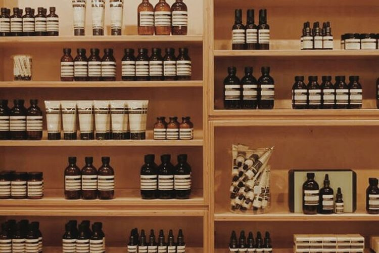 Aesop @ Holt Renfrew :) Shopping Vscocam Minimalism Photography
