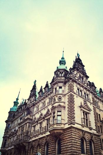 …totally amazed by this Neo Renaissance style building! ⇢ #Hamburg(er) Rathaus! Townhall