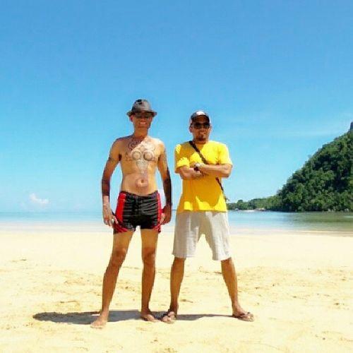 Bersama bung @glennfredly di pantai Belanda, Ora, pulau Seram. PulangNegri Maluku