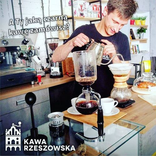 Czarny piątek zobowiązuje - dziś polecamy szczególnie kawy czarne, przygotowane w sposób alternatywny np. w chemexie lub syphonie. Przyjdzie do nas i przekonajcie się sami ile niesamowitych aromatów może mieć czarna kawa. Do zobaczenia w Kawie Rzeszowskiej Blackfriday Kawarzeszowska Chemex Rzeszów Kawasamasięniezrobi Rzeszów Coffee Coffeetime Barista Aeropress Mobilnakawiarnia Kawa Instamood Instagood Instalove Instacoffee Igersrzeszow Kawarzeszowska Coffebreak Coffeetogo Coffeelove Love Photooftheday Happy Bestoftheday instamood herbata kawarzeszowska kawiarnia chemex kawaswiezopalona