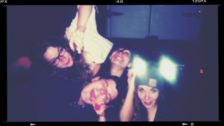 Après tant d'années ! Friends Love Party Enjoye The Life