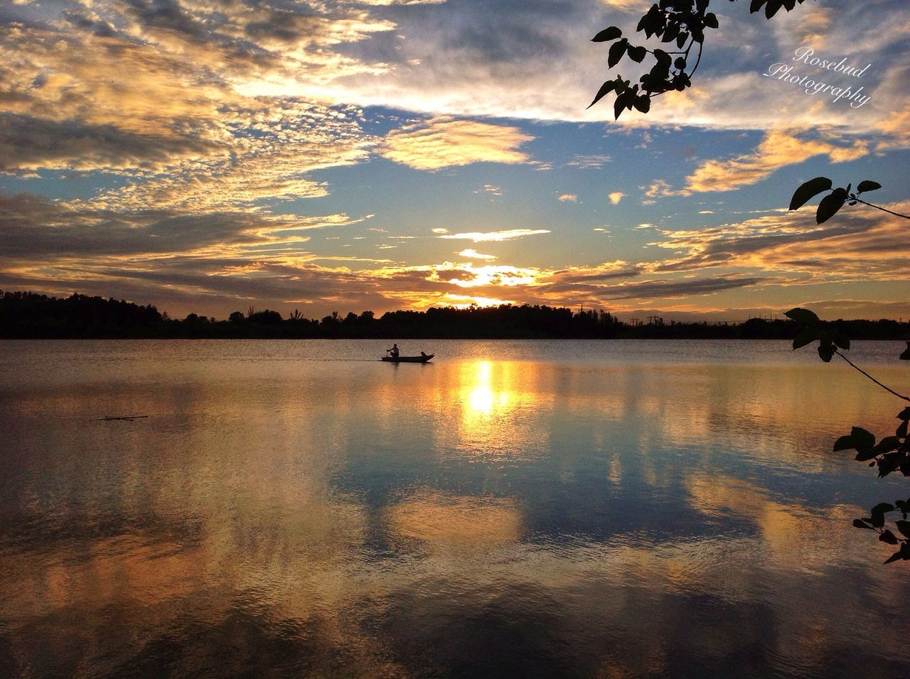 sunset, reflection, sky, water, nature, scenics, cloud - sky, beauty in nature, silhouette, lake, tranquil scene, tranquility, no people, idyllic, outdoors, bird, animal themes, animals in the wild, tree, day