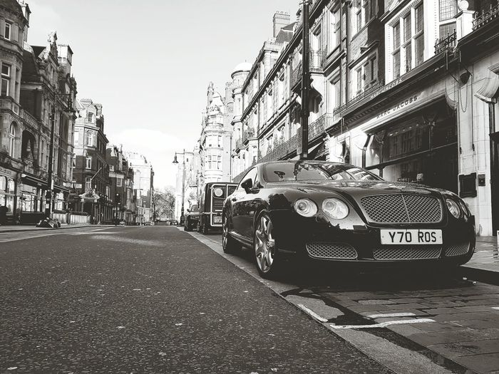 Hi! London Uk Taking Photos Bentley Continentalgt