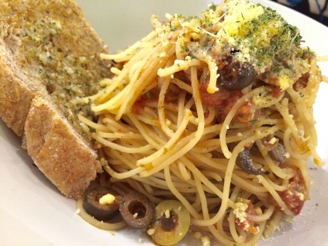 Italian Italian Food White Sauce Bread Garlic Cheese Plate Food Sauce Foodporn Olives Oil Pesto