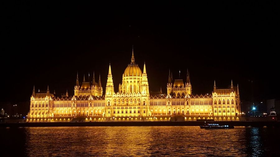 Light Urban Hungary Budapest City Outdoors Architecture First Eyeem Photo Parliament Night Sky Nightlife Danube River