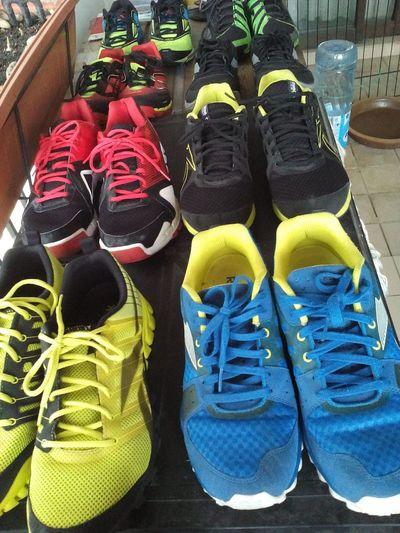 EyeEm Eyeem Market Colours Of Shoes Colourful Shoes Shoeslover Shoes ♥ Shoesaddict Shoes In A Row Shoes Arrangement