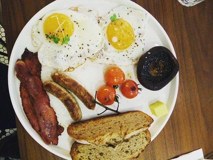 🙈🐖🐖 @h2untae Ohno Notagain Sofat Baddecisions Hkig Alldaybreakfast Fullbrekky Egg Sausage Bacon Dannylieats