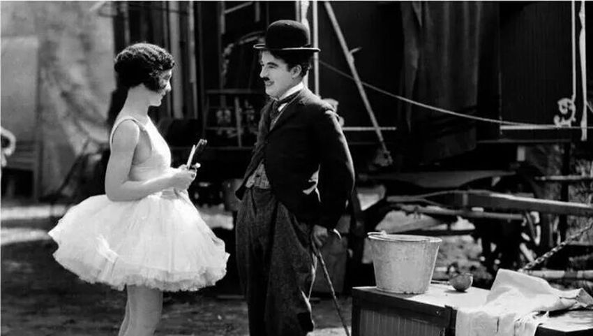 charlie chaplin ^_^ Days of black and white , Love♥ ♡