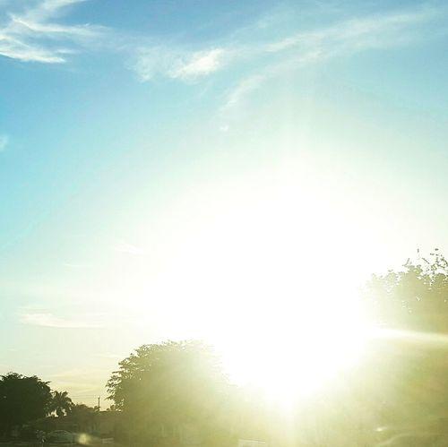 Southwest florida sun is no joke. Nojoke Swfl Morning Sky Floridasun Sun Iloveswfl