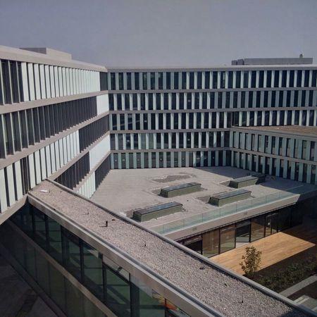 ...bald fertig das neue Alianzcampus in Unterföhring...bzw. sollte eigentlich schon... Allianz Campus Unterföhring Architecture Architektur Hello World Neubau The Graphic City