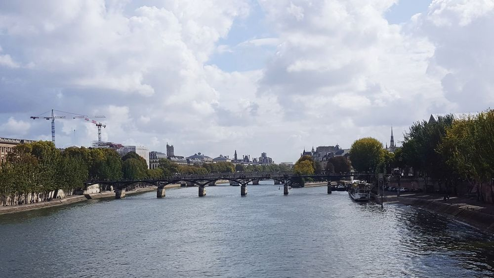 Cloud - Sky Sky Water Business Finance And Industry Tree Outdoors No People Day City Politics And Government Paris ❤ Travel Destination Cityscape Ile Saint Louis Paris❤ Panoramic Paris Panorama Seine River Pont Des Arts