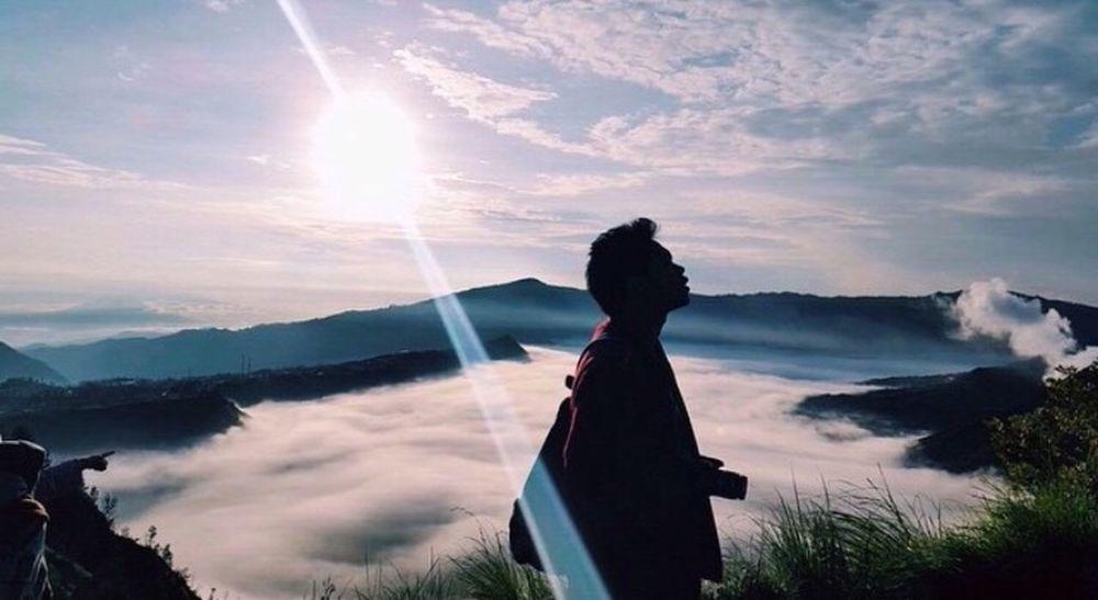 Sun power Mountain Landscape View Feel INDONESIA Bromo