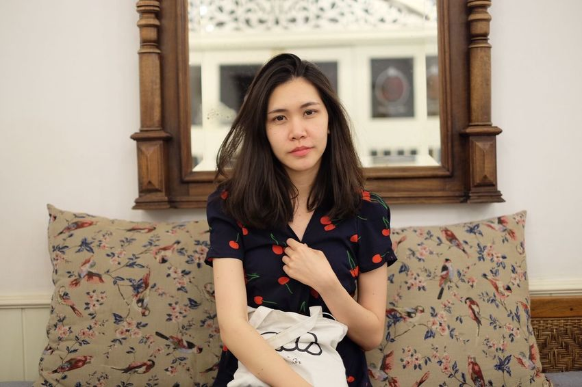Sleepy EyeEm Selects One Person Front View Portrait Looking At Camera Young Women Young Adult Long Hair Beautiful Woman Lifestyles Hairstyle Home Interior Waist Up Women Real People Hair Indoors  Floral Pattern Leisure Activity