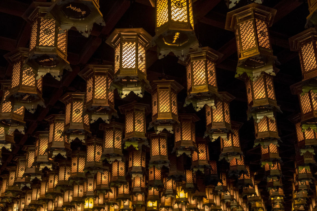 Light Abundance Architecture Art And Craft Backgrounds Belief Building Built Structure Craft Creativity Design Full Frame Indoors  Large Group Of Objects Low Angle View No People Ornate Pattern Place Of Worship Religion Spirituality