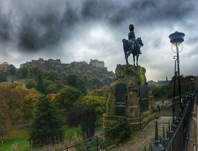 ' Storm brewing over Edingburgh Castle' Scotland Autumn🍁🍁🍁 Tadaa Community EyeEm Best Edits Malephotographerofthemonth EyeEm Gallery Eyeem Scotland  Notes From The Underground Princes Street Edinburgh