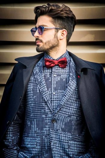 En-🇬🇧 Day 1 Pitti Uomo 91 OOTD. I love this shirt and this jacket by Circle of Gentlemen! __________________________________________ It-🇮🇹 1° giorno Pitti Uomo 91 OOTD. Adoro la fantasia di questa camicia e questa giacca dii Circle of Gentlemen! Beard Bow Tie Circleofgentlemen Classy Coat Elegant Eyeglasses  Fashion Firenze Firenzemadeintuscany Florence Hair Hairstyle Handsome Italy Men Model Papillon Photo Pitti Pitti9 Pittiuomo Shoot Suit Sunglasses