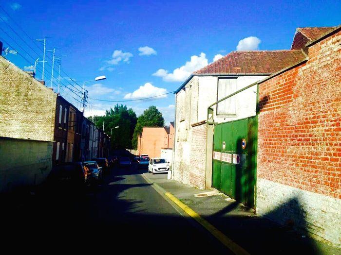 In a little city~Dans une petite ville (在一座小城市里) City House Architecture France Building Sunshine
