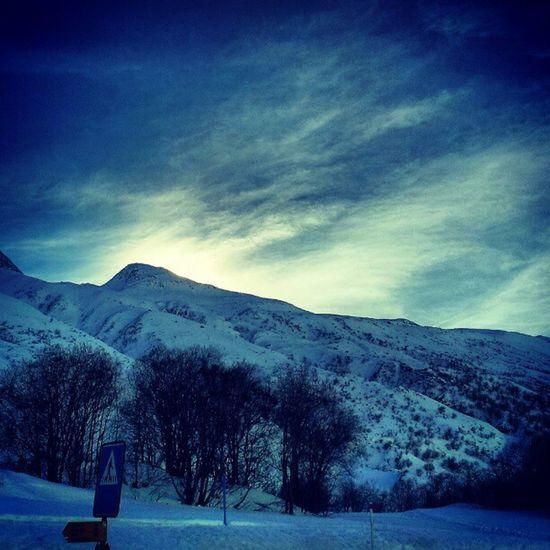 Guten Morgen aus Andermatt  Schweiz mit Schnee ski ski sunset sunrise mounten morning clouds swiss