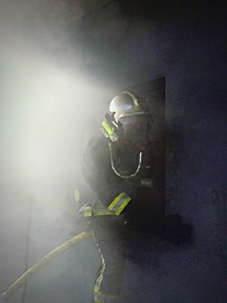 That's Me Fire Firefighter Enjoying Life Hi! Sapeurspompiers photo de moi lors d'une manœuvre a feu réel