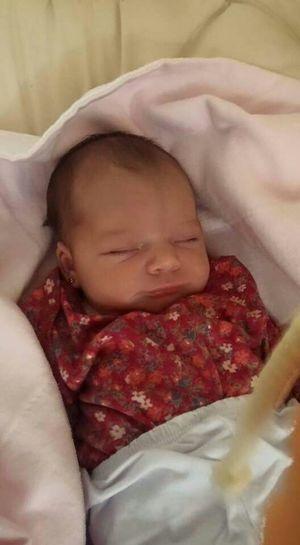 Maria Malu Sobrinha Sleeping