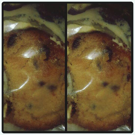 I asked for cookies and cream milkshake but he gave me ice cream cookie. So sad </3 thankyou tho. Foodporn❤️ Hardees Ice Cream Cookid♡