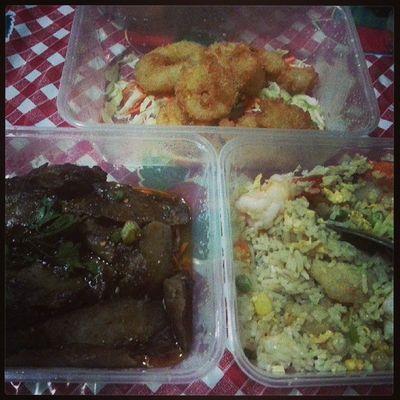 My heavy morning breakfast ! Thai seafood fried rice, calamari n black pepper beef .. mmmmmdap!