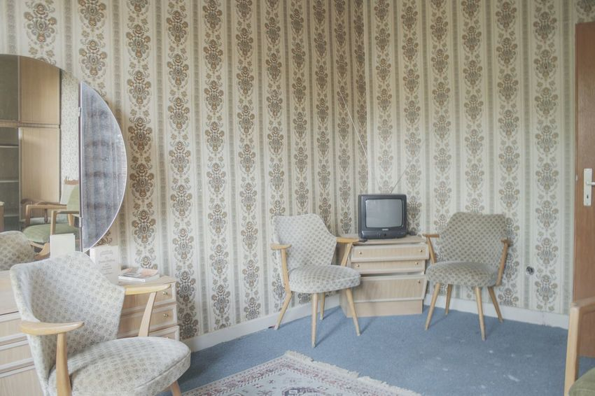 Urbex Urbexphotography Abandoned Abandoned Places Abandoned Buildings Abandoned House Urbexexplorer Urbanexploration Old Decay Urbex_rebels Urbexworld Lovely Cute Old Interior Nature Interior Wallpaper Luxury Hotel Chair Pattern Old-fashioned Retro Styled Design Model Home
