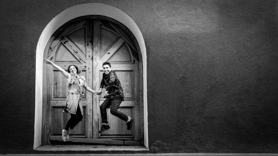 Photography Blackandwhite Streetphotography Couple Marriage  Door Love Fun Jump Mexico Puebla San Martin Texmelucan