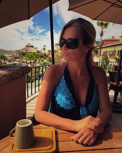 Breakfast Dinning Resort Luxurylifestyle  Luxurylife Luxuryrealestate Resortlife Vacations Women Morning Table Relaxation Leisure Activity Lifestyles Drink Young Adult Drinking Casual Clothing Food And Drink Sunglasses Sitting Refreshment Outdoors