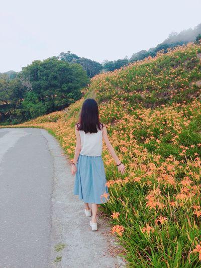 以為走了好久也能走出點什麼,實際還是在原地繞圈,在過去繞圈。 我得到的都是僥倖 我失去的都是人生