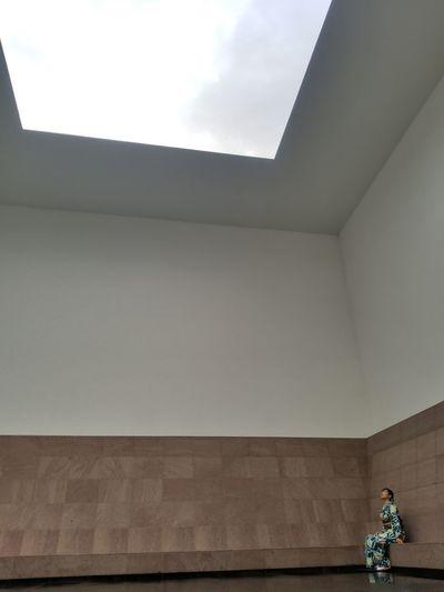 l hope to get well soon… この長い雨がやんで、青空が見える日が来ますように…【21世紀美術館】 21stcenturymuseum Japan Rin Lookingup Kimono Kanazawa Rain Wish Waiting One Person Sky
