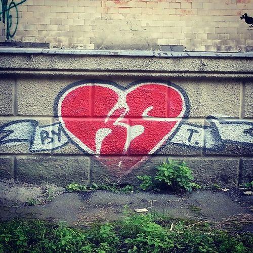 Grafitti Zhytomyr Ukraine Art hearts love