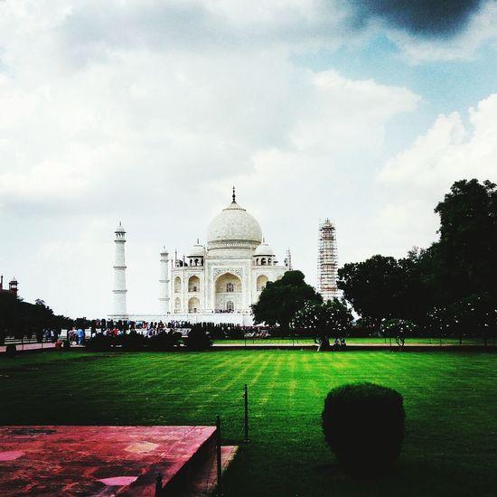 Taj Mahal, Agra Taj Mahal Symbol Of Love Shahjahan Mumtajmahal Wonderful Wonderoftheworld Travel Destinations History Architecture EyeEmNewHere