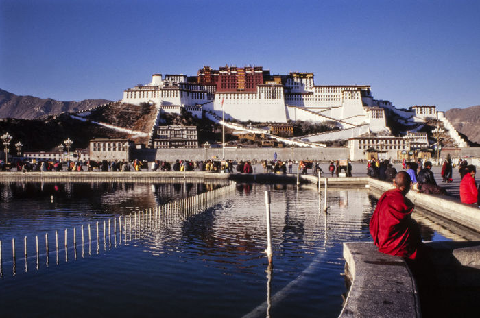 Architecture Budism Budismo Budist Tempel Building Exterior City Day Lassa Lifestyles Outdoors People Potala Potala Palace Potalapalace  Real People Tibet