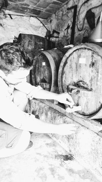Wine Tasting Wine Time Vinhoverde North Portugal Barrels Winebarrels Cask Winelovers 😜🍷!!! Winetasting Winebar Blackandwhite Blackandwhite Photography Black And White Blackandwhitephotography Bw_collection Bw_lover BW_photography Monochrome Monochrome Photography Wine Moments EyeEmNewHere