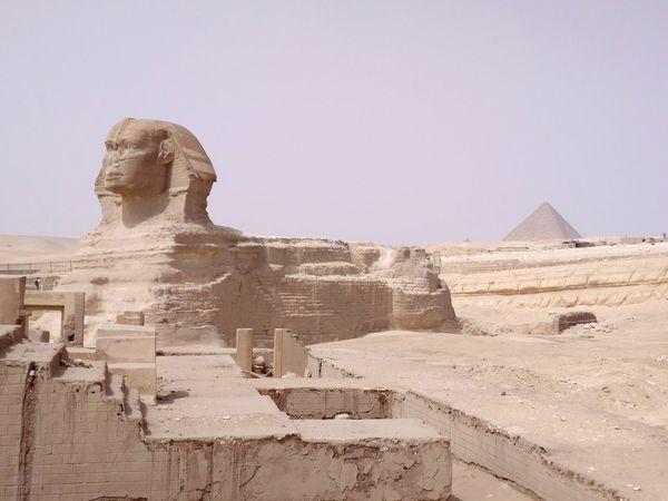 Sfinx Sfinx &piramed Ancient Civilization Sculpture Sky Architecture Pyramid Ancient Egyptian Culture Egypt Pyramid Shape Civilization Archaeology Tomb Egyptian Culture