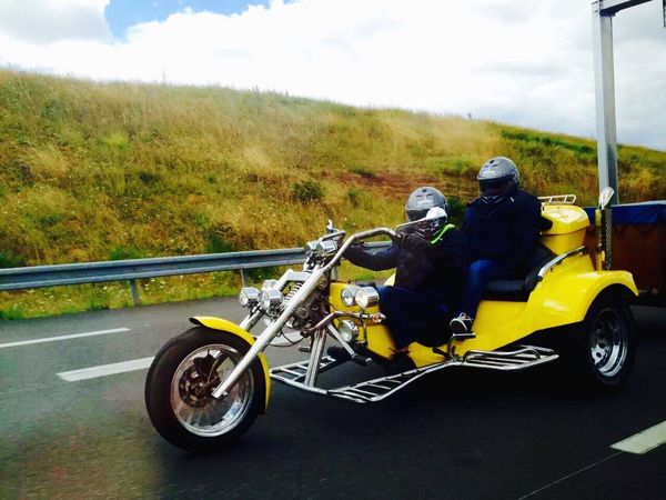 We are on the same road~On est sur la même route (我们在同一条路上) France On The Road Road Motorcycles