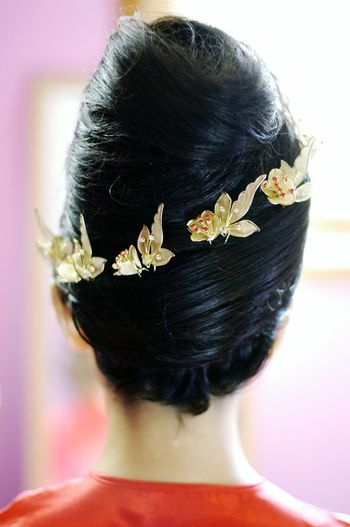 Weddings Around The World Canadian Chinese Wedding a close up of the Hairstyle of the bride. What do u think ?