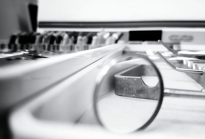 Technology Close-up Selective Focus Focus On Foreground No People Monochrome _ Collection Monochrome Photography Dramatic Angles Black & White Dentist Tools Blackandwhite Photography Blackandwhite Monochromeart Black And White Monocrome Taking Photos Monochrome Photograhy