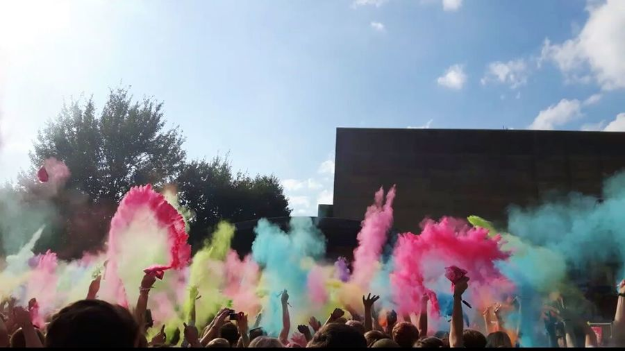 Holifestival 2016 OL Multi Colored Colorful Sky Outdoors Holi Festival Holi2016 Holi 2016 Farbfest Oldenburg 05.08.2016 Farbwurf