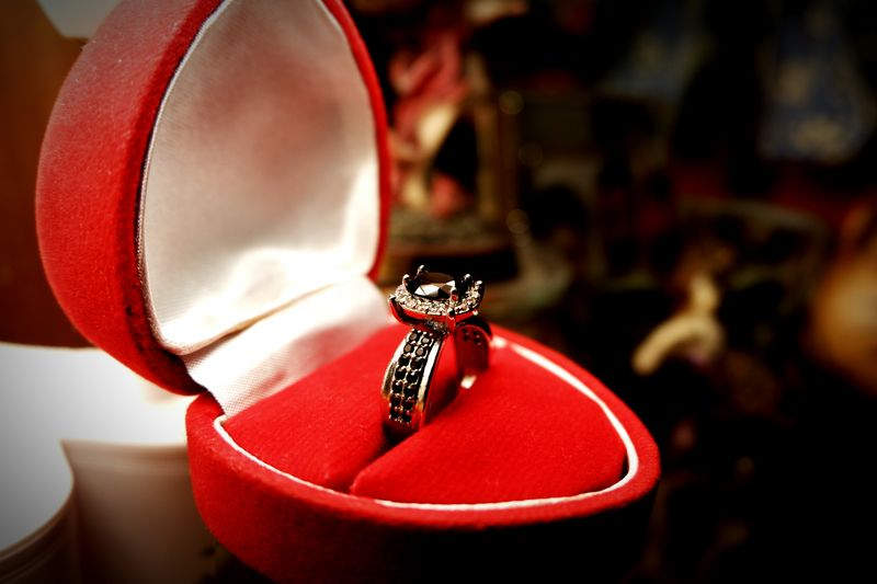 EyeEm Selects Jewelry Store Luxury Red Christmas Decoration Gift Christmas Precious Gem Celebration Fashion Wealth Jewelry Box Diamond Ring Engagement Ring Ruby Jewelry Finger Ring Wedding Ring Gift Box Ring Engagement Platinum The Fashion Photographer - 2018 EyeEm Awards