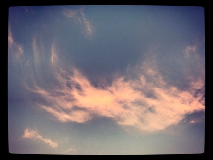 One lonely pink cloud in the sky ⛅️ Lonelycloud Pinkcloud Tranquility Cloud - Sky Nature Beautifulnight Eyemphotography ⛅️
